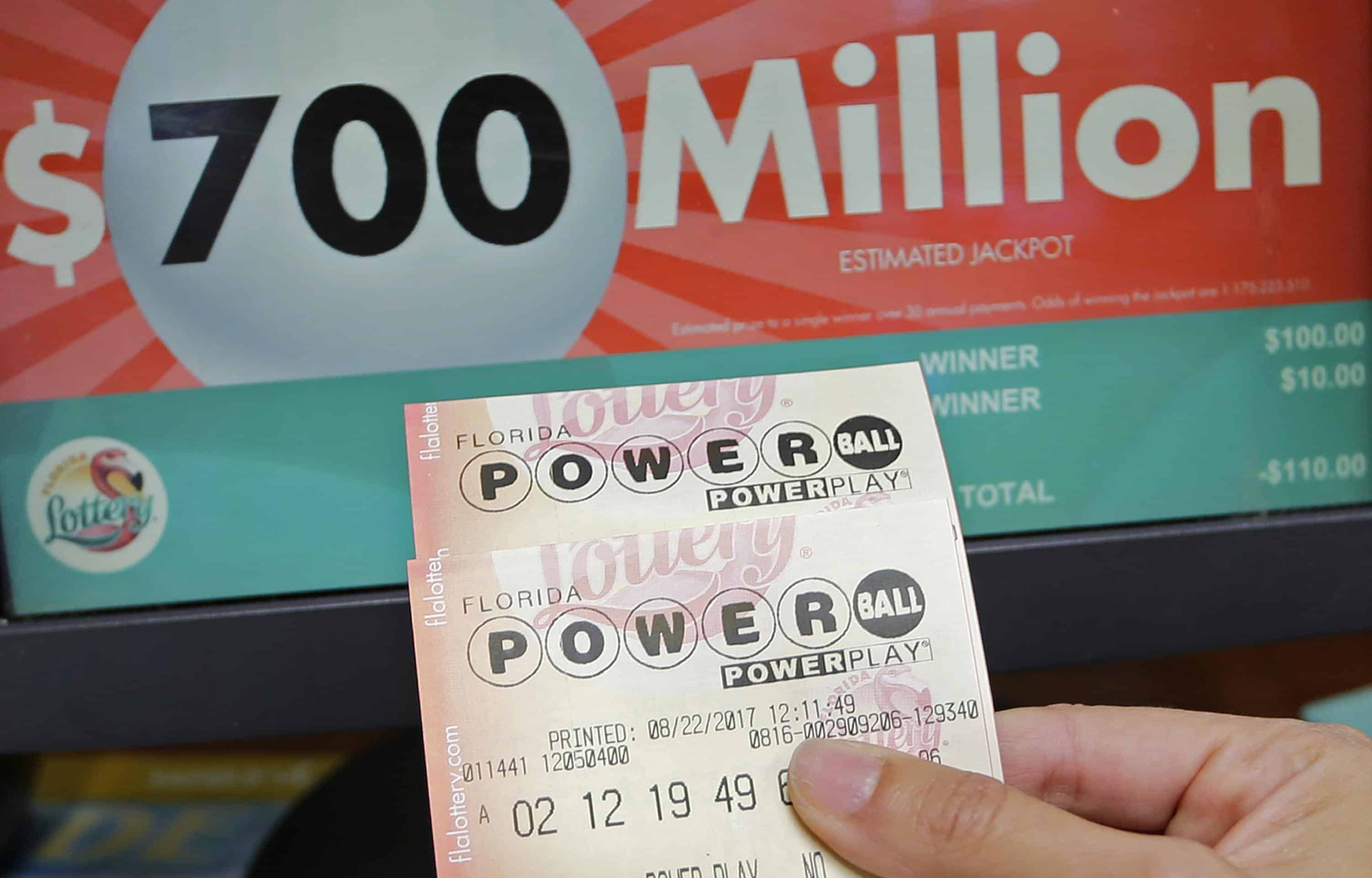 Powerball Lottery Jackpot Betting Odds For Saturday S 625 Million