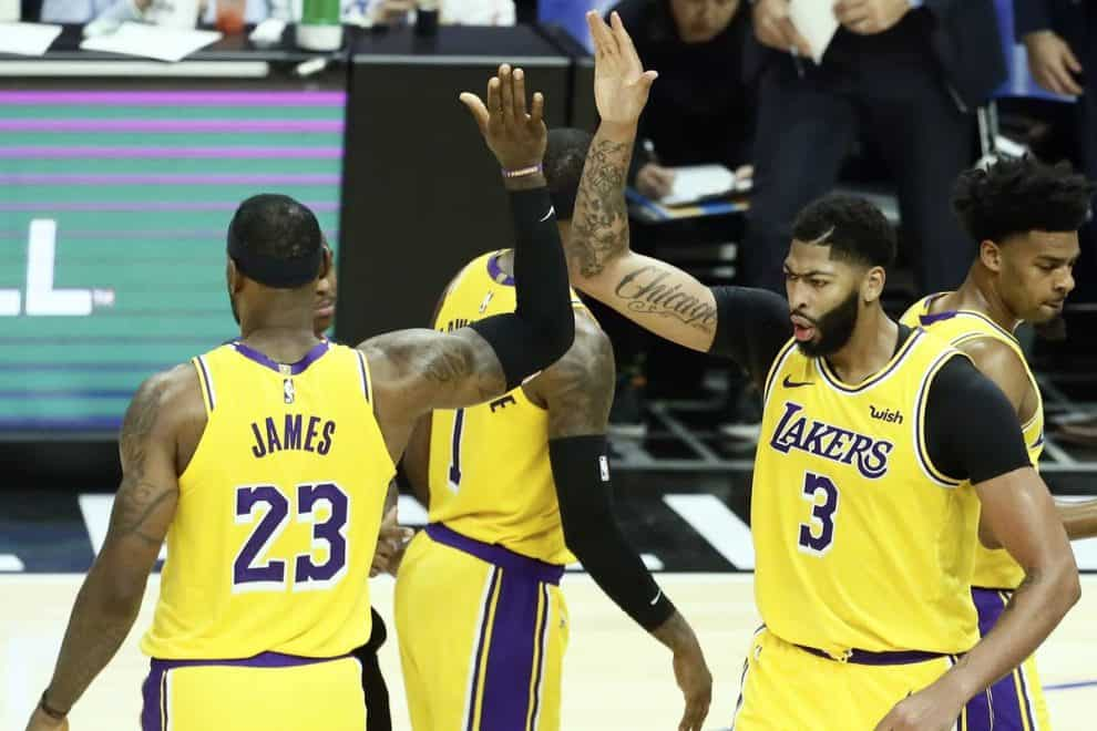 Lakers bulls betting line over under meaning betting tips